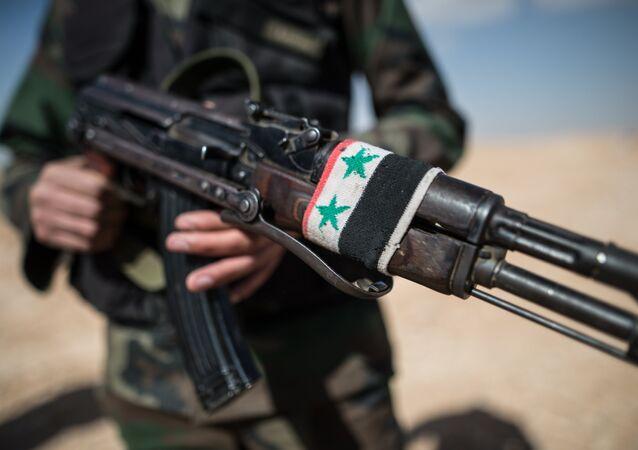 Soldado do exército sírio (foto de arquivo)