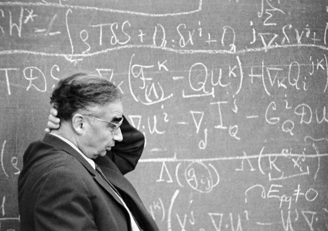 O acadêmico soviético, especialista em ciências exatas, Leonid Sedov