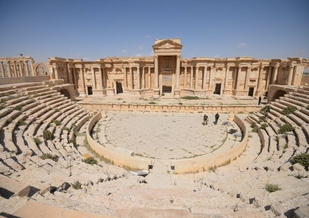 Anfiteatro na parte histórica de Palmira, Síria, 28 de março de 2016