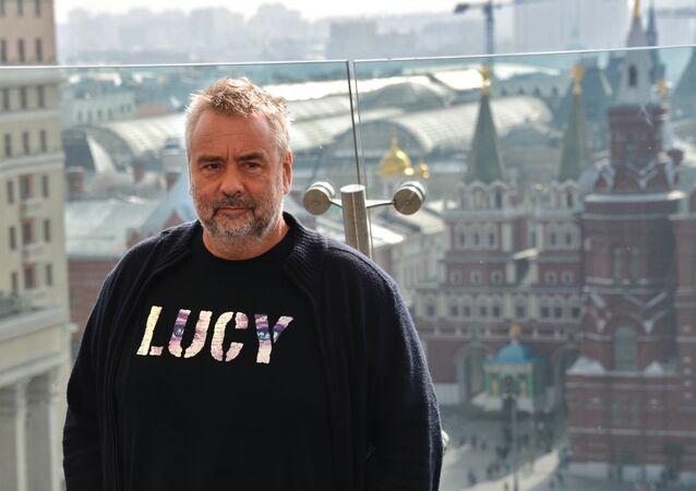 Luc Besson apresenta seu filme Lucy em Moscou