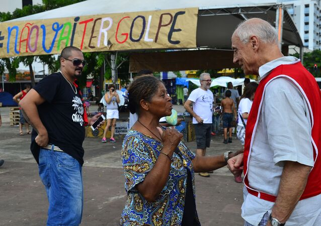 Manifestantes contra o impeachment se encontram em São Paulo