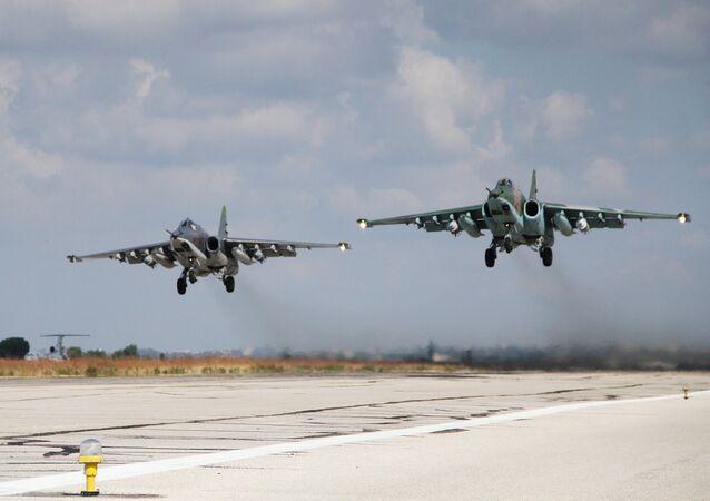 Aviões de ataque russos SU-25 na Síria
