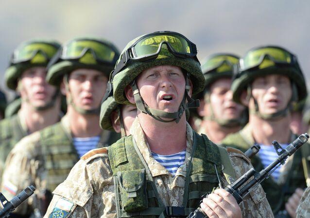 Militares nos exercícios conjuntos da Organização do Tratado da Segurança Coletiva