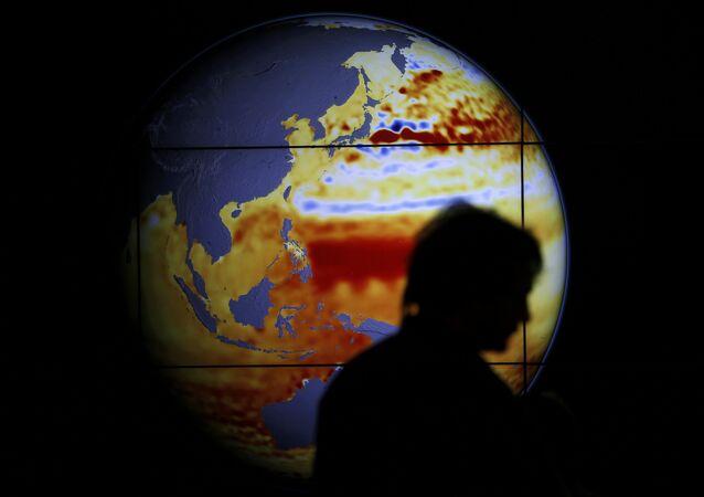 Mapa mostrando a elevação do nível dos oceanos durante a COP 21 – Conferência sobre Mudanças Climáticas, realizada em Paris
