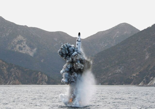 Míssil norte-coreano lançado do submarino
