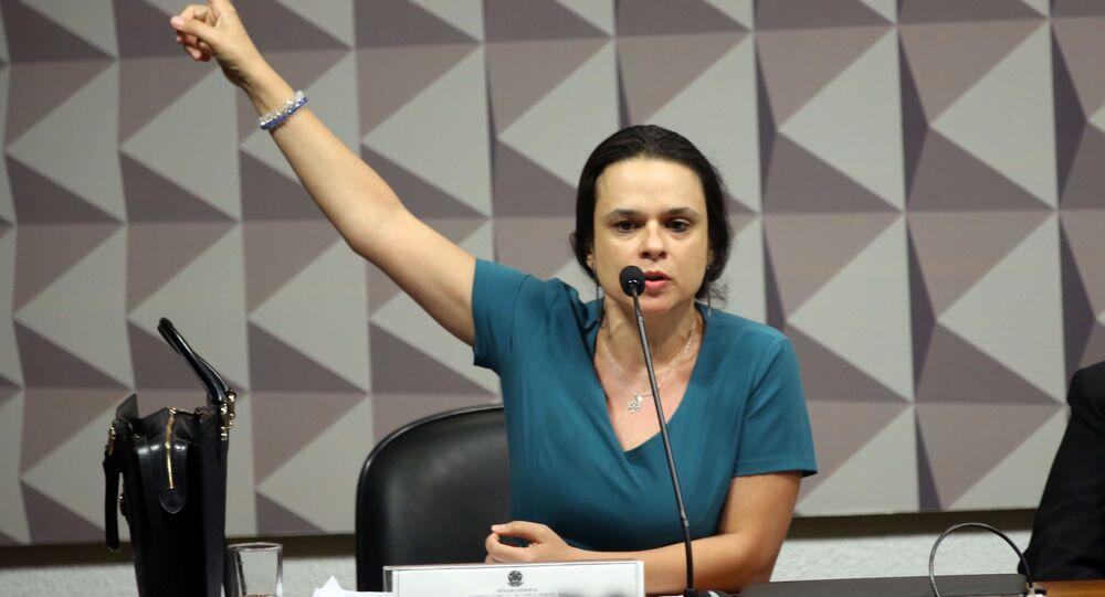 Advogada Janaína Paschoal discursa na Comissão Especial do Impeachment do Senado