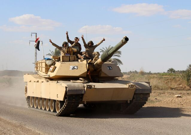 Forças governamentais do Iraque perto da cidade de Hit, na província de Anbar, 18 de março 2016