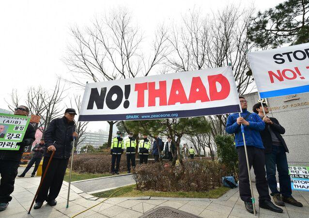 Protesto em Seul contra a implantação do sistema antimísseis Thaad.