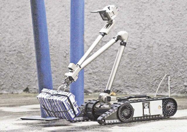 Robô antimbomba