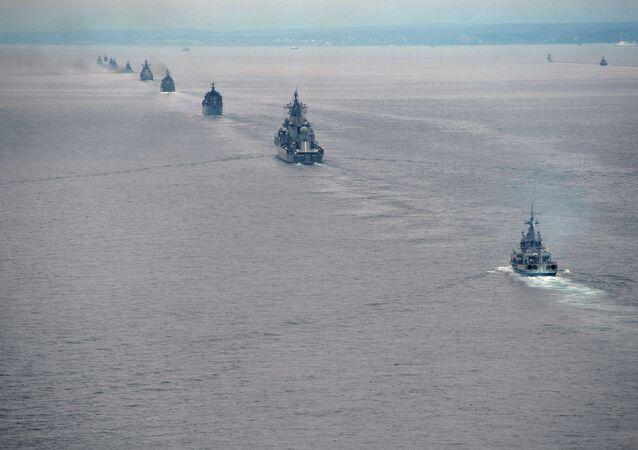 Mais de 20 navios de guerra russos saíram ao mar Báltico para manobras