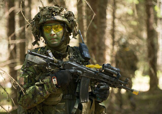 Soldado estoniano participa dos exercícios militares anuais em conjunto com as tropas da OTAN, Estônia (foto de arquivo)