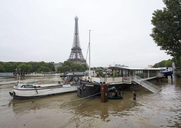 Cheia do Sena em Paris depois de dias de chuvas