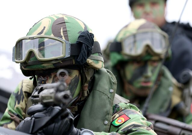 Exercícios militares da OTAN Trident Juncture em 2015, realizados em Troia (ao sul da Lisboa). Foto de arquivo, 5 de novembro de 2015