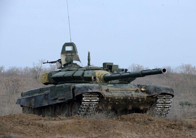 Tanque T-72B3 (imagem referencial)