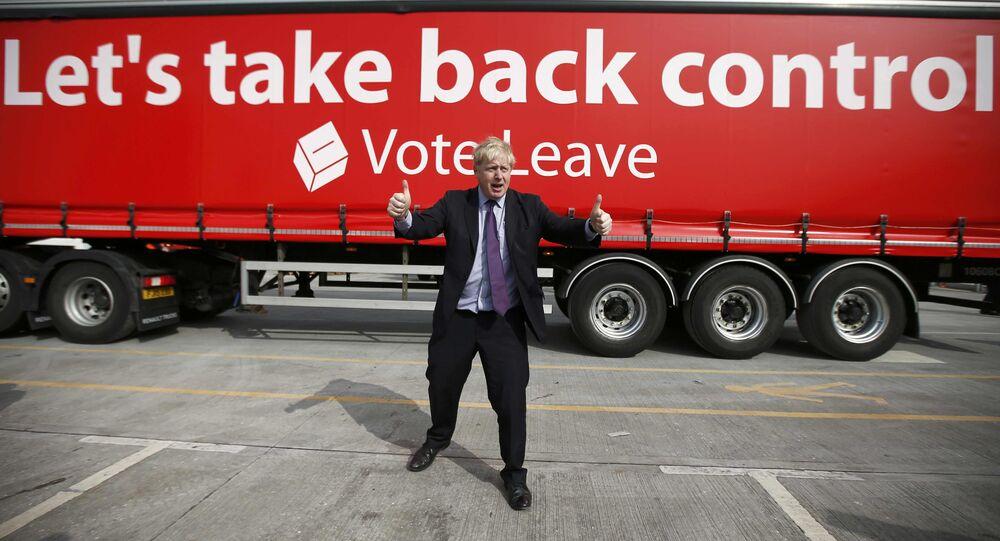 Boris Johnson faz campanha a favor do Brexit