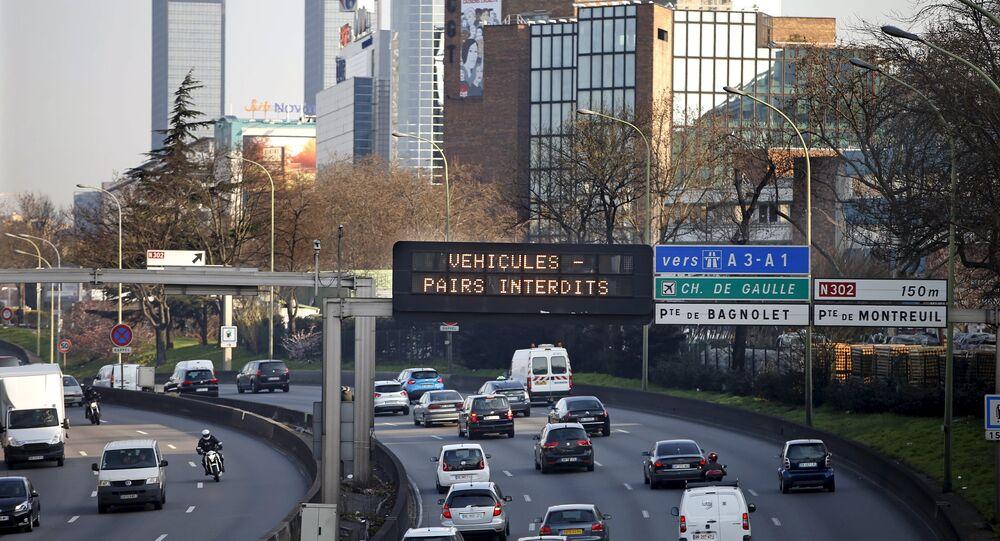 Poluição faz Paris decretar rodízio de carros