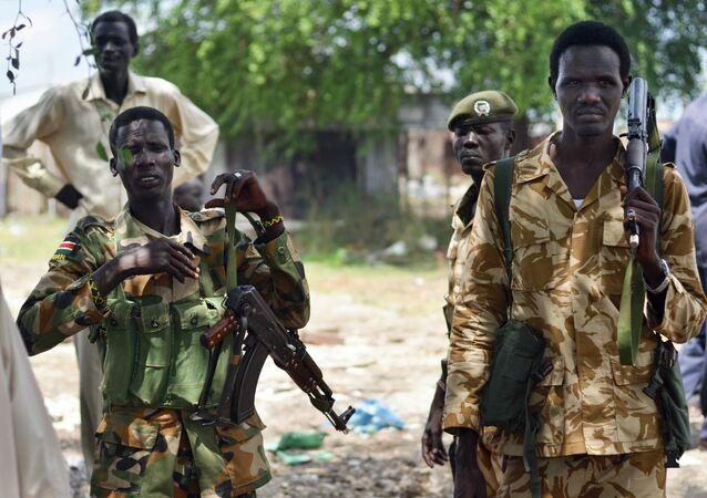 Soldados das forças do governo do Sudão do Sul
