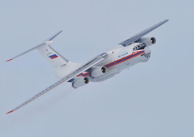 Avião Il-76