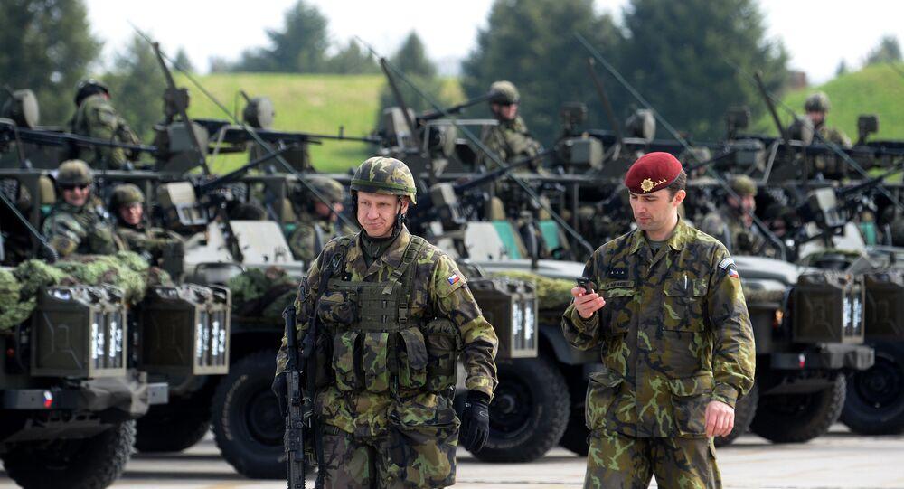 Soldados europeus da OTAN na Europa Oriental