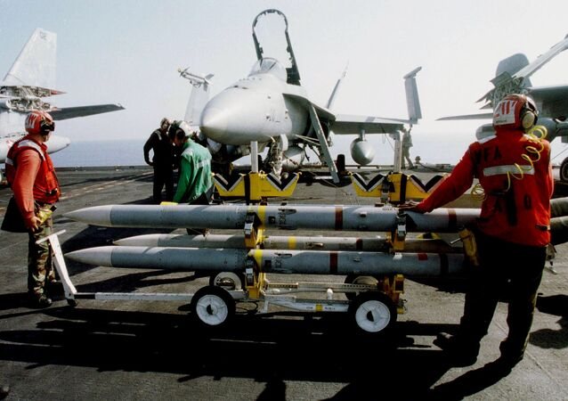 Mísseis Seasparrow no USS Eisenhower (foto de arquivo)