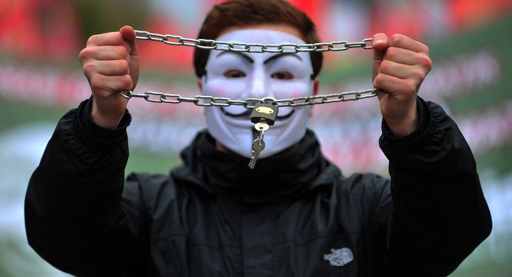 Um simpatizante do Anonymous