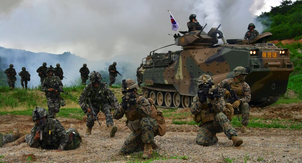 Soldados sul-coreanos e norte-americanos durante exercícios conjuntos, Coreia do Sul (foto de arquivo)