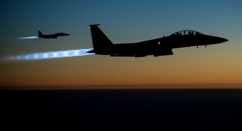 Caça F-15E Strike Eagle da Força Aérea americana