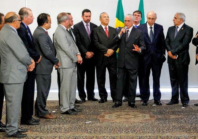 Michel Temer durante reunião com membros da Confederação Nacional de Municípios