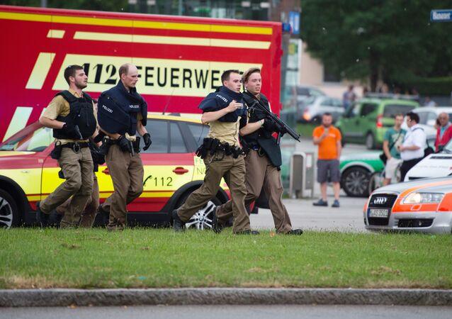Caçada por atiradores segue pelas ruas de Munique