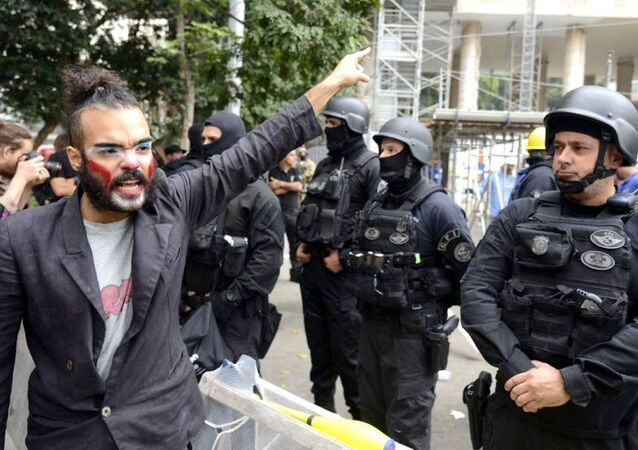 Polícia Federal executa reintegração de posse no Palácio Capanema