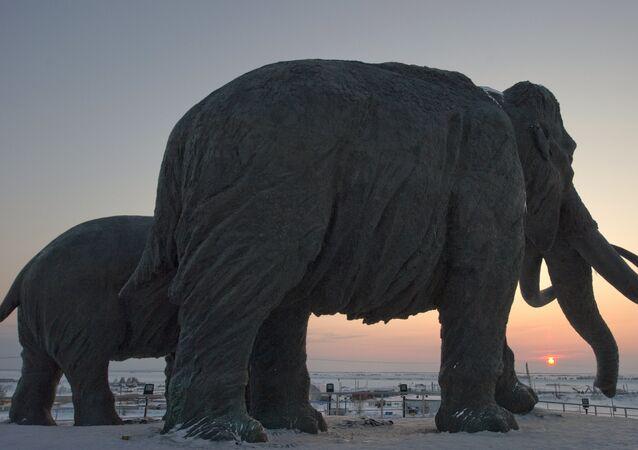 Monumento de mamute na Rússia (imagem referencial)