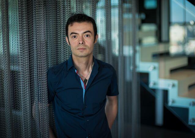 Orkut Buyukkokten, o criador da nova rede social 'Hello'