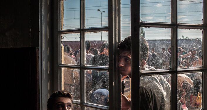 Foto da série Rota Balcânica 2 de Matic Zorman que foi premiada na categoria Notícias principais do Concurso Jornalístico Fotográfico Internacional Andrei Stenin 2016