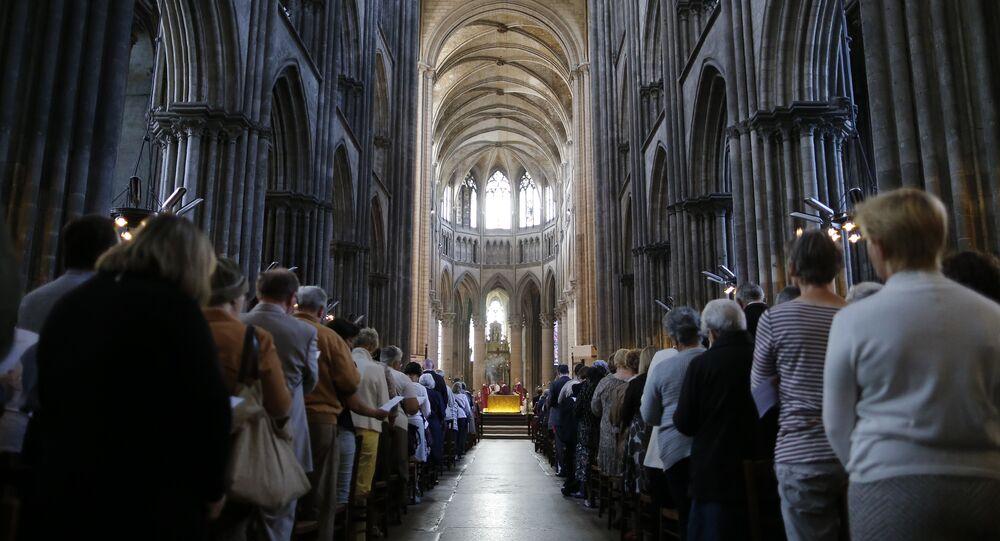 Missa na Catedral de Rouen em homenagem ao padre Jacques Hamel, morto em um atentado na cidade próxima de Saint-Étienne-du-Rouvray em 26 de julho de 2016