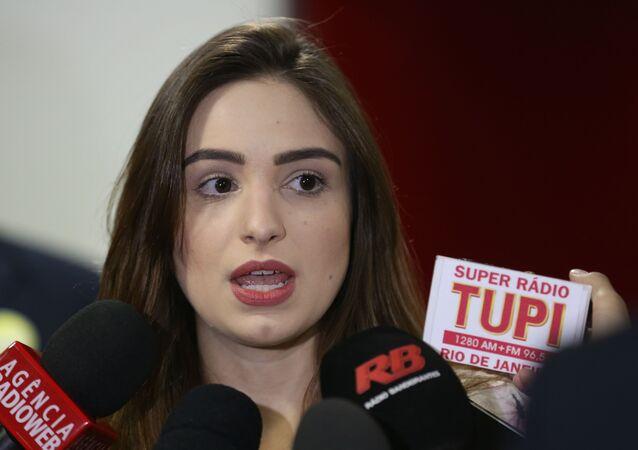 Patrícia Lélis fala à imprensa sobre acusação de tentativa de estupro contra Marco Feliciano