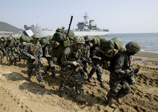 Exercícios Foal Eagle, com militares de EUA e Coreia do Sul (arquivo)