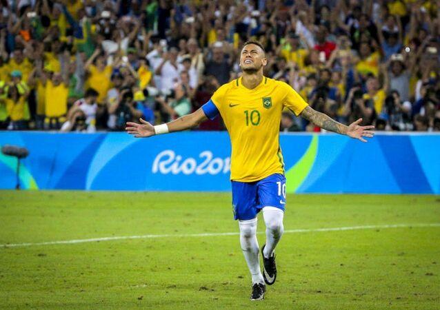 Neymar após bater o pênalti e dar a vitória ao Brasil contra a Alemanha