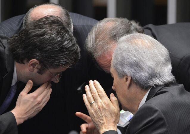 Senado afasta Dilma 1