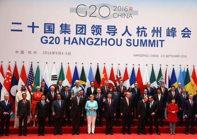 Líderes posam para fotos durante a Cúpula do G20, em Hangzhou, província de Zhejiang, China, 4 de Setembro de 2016. REUTERS / Damir Sagolj