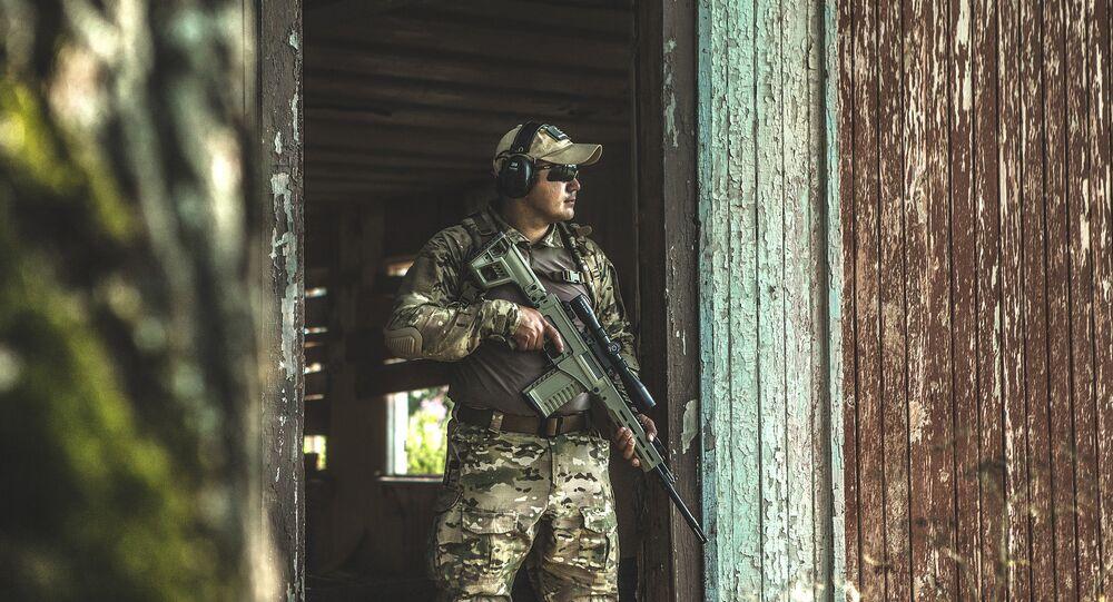 Nova arma de precisão automática Kalashnikov (foto de arquivo)