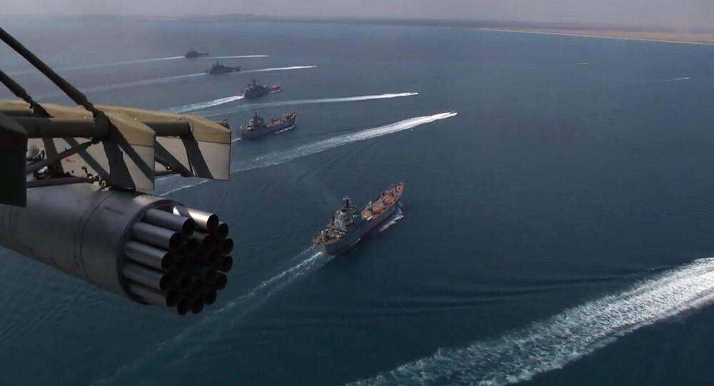 Frota do mar Negro e do mar Cáspio participando dos exercícios militares Kavkaz 2016
