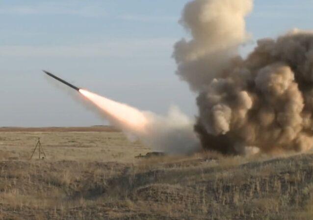 Assista o lançamento de míssil Iskander durante exercícios militares na Rússia