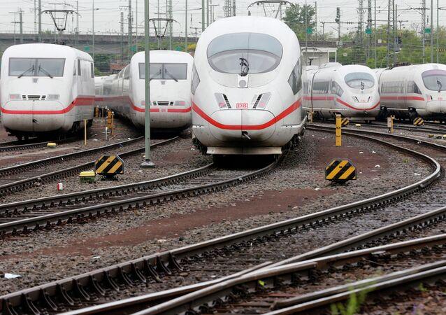 Trens da empresa alemã Deutsche Bahn