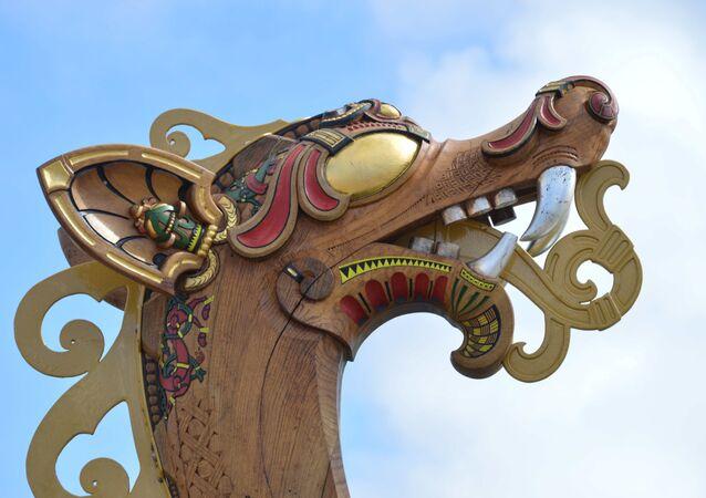 Cabeça do dragão do maior navio viking - Dragon Harald Harfagre