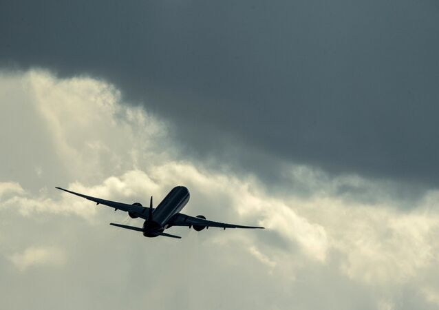 Um Airbus A320 da Aeroflot decola de aeroporto internacional de Sheremetievo.