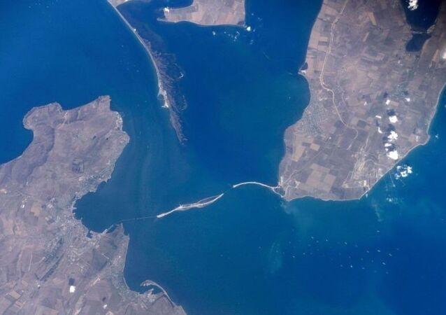 Construção de ponte sobre o Estreito de Kerch, que juntará Crimeia à parte continental da Rússia