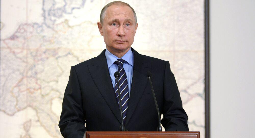 Presidente russo Vladimir Putin no encontro com o Alberto II de Mônaco em Moscou, Rússia, 6 de outubro de 2016