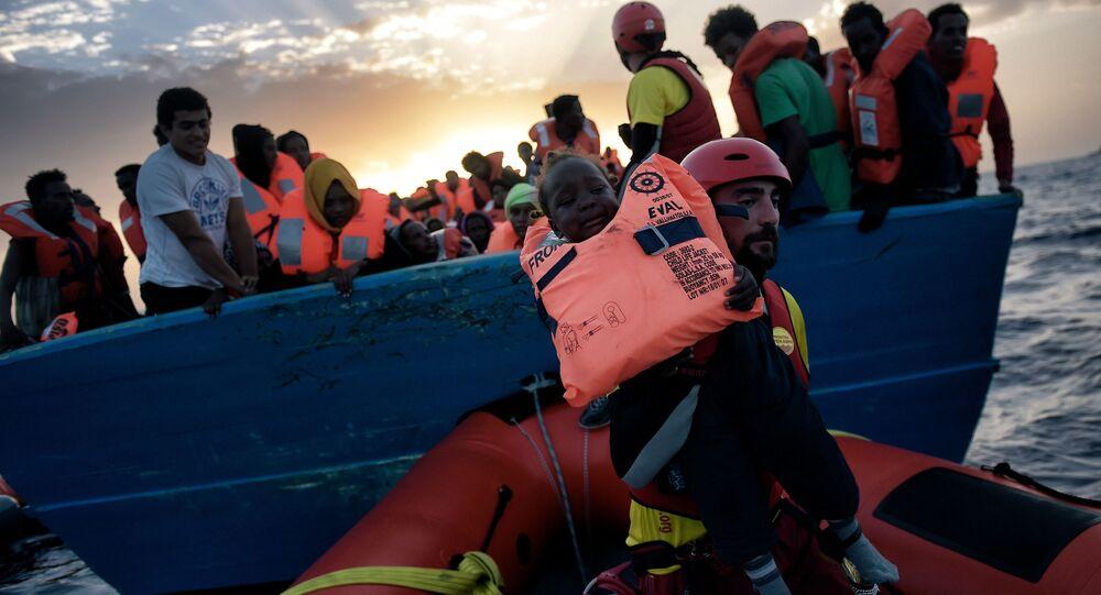 Mais de 6.000 imigrantes foram resgatados no dia 3 de outubro na costa da Líbia, no mar Mediterrâneo