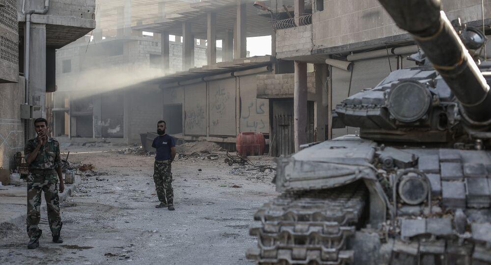 Soldados sírios durante operação em Ghouta Oriental (arquivo)