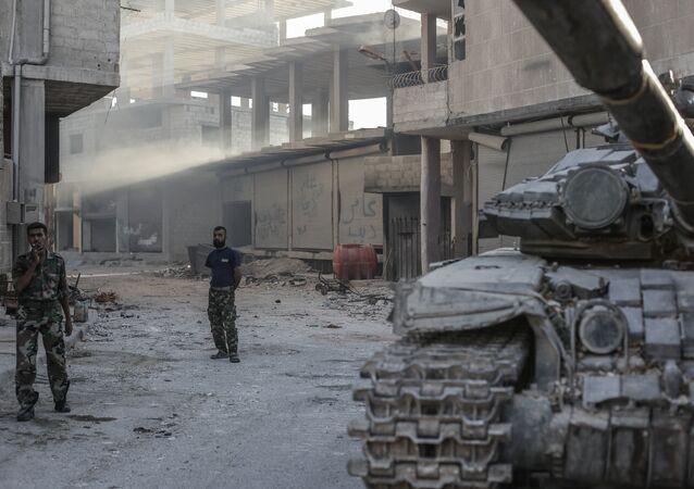 Soldados sírios em Ghouta (foto de arquivo)